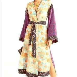 ⭐️NEW w/tags⭐️Elizabeth & James Kimono Dress